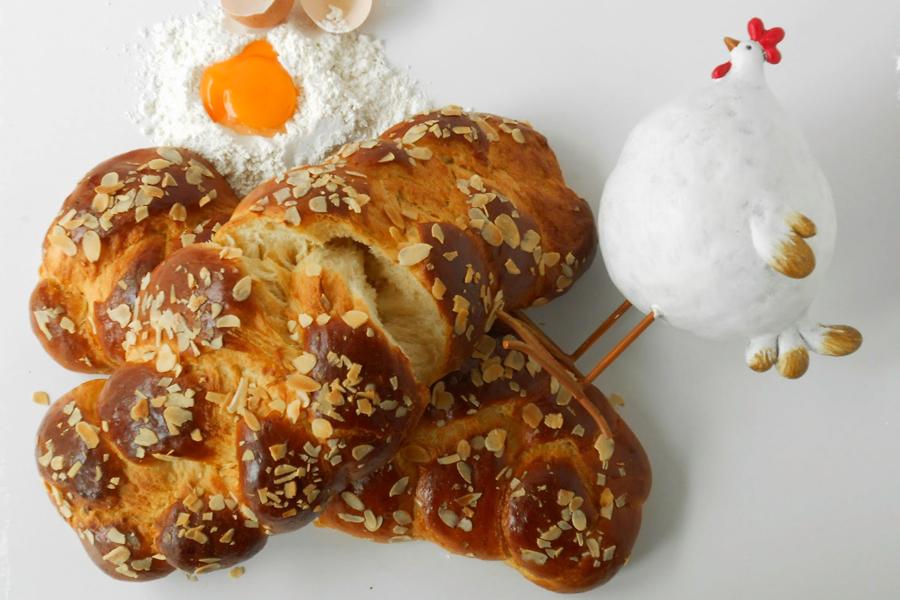 No-knead tsourekia Τσουρέκια χωρίς ζύμωμα